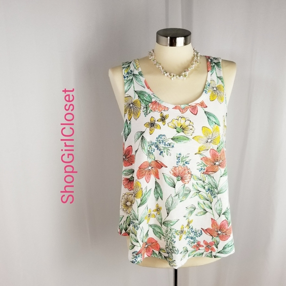 💥Just In💥A New Day Floral Tank...Size M